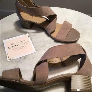 Naturalizer short heel sandals
